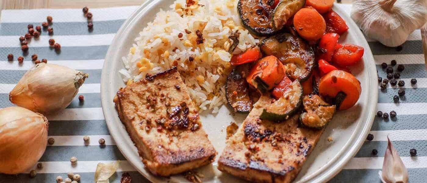 Reis-Linsen-Gemüse mit Tofu