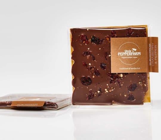 Vollmilch Schokolade mit Cranberry und Pfeffer